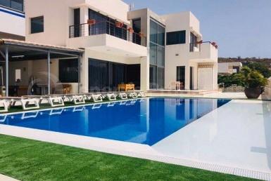 Villas for sale in Costa Adeje